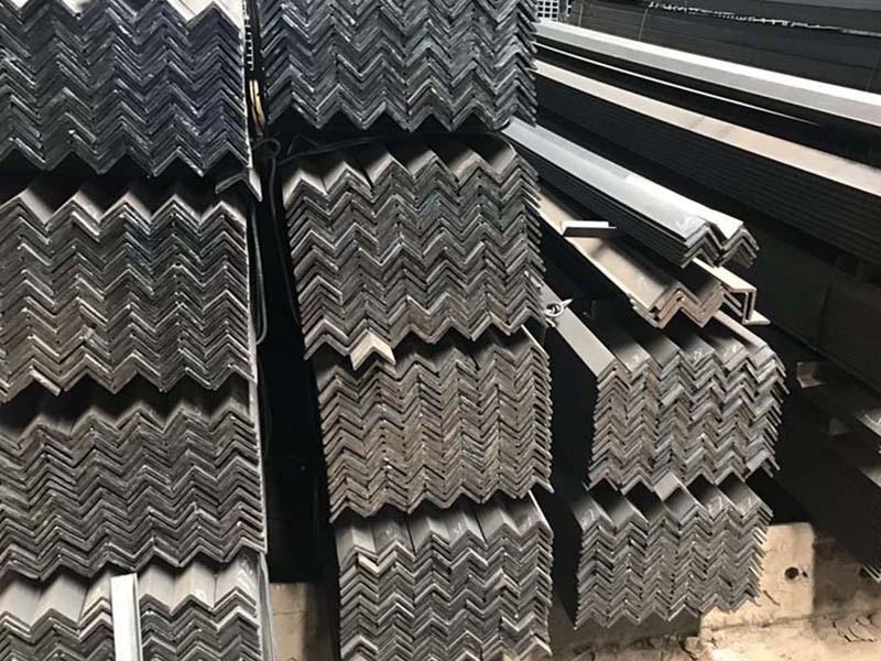 安阳q235c角钢公司,热镀锌角钢厂家价格