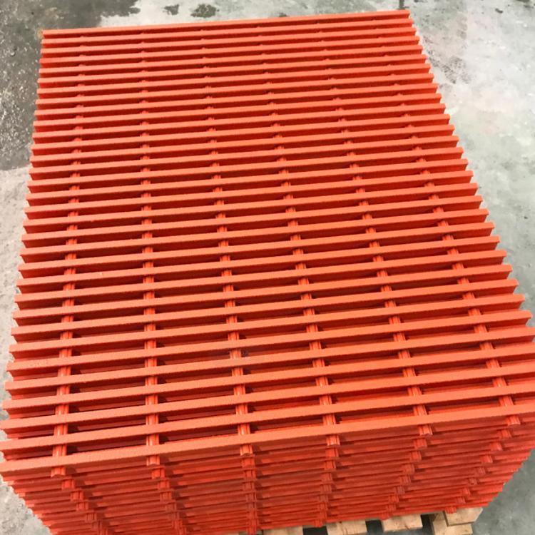 四川格柵型材生產廠家