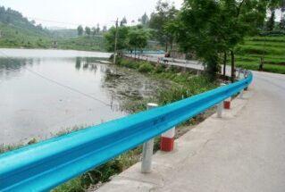 FRP 復合材料高速公路護欄 耐腐蝕 抗沖擊力強 全國招代理商