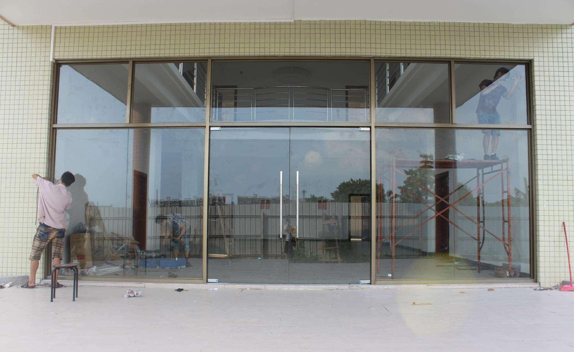 临沂维修玻璃门,临沂安装卷帘门电话05395555118