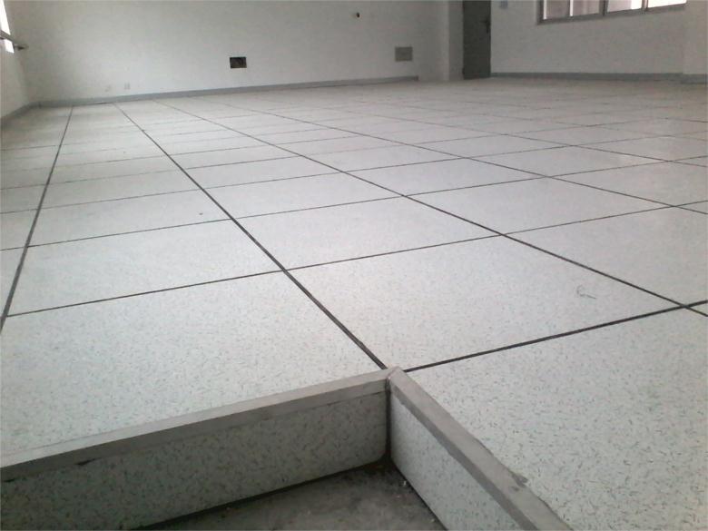 来宾全钢有边防静电地板生产厂家