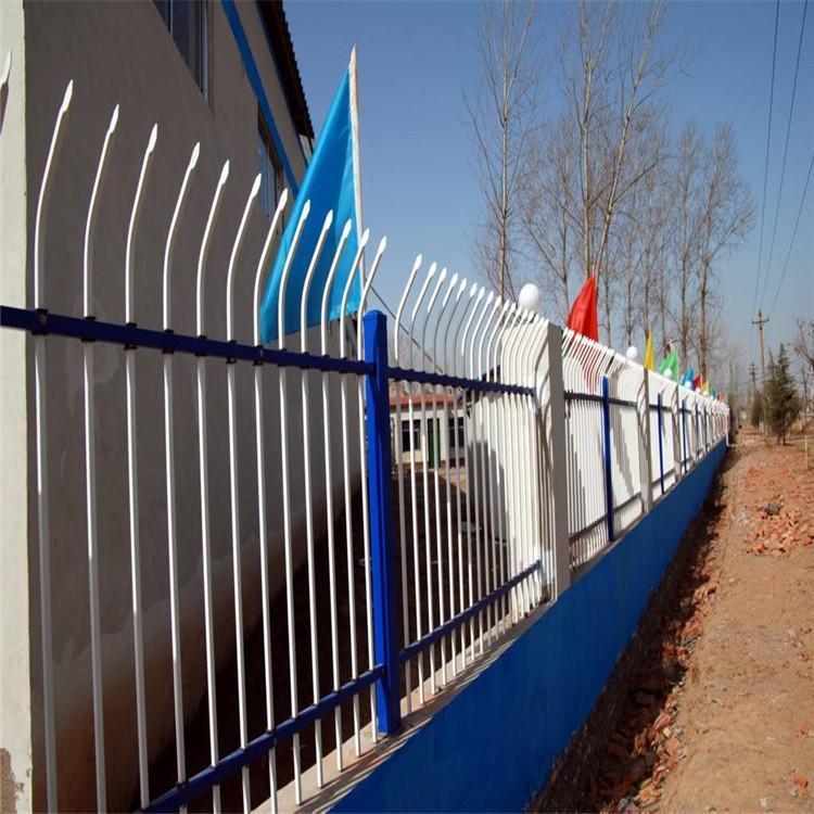 广州锌钢草坪护栏厂家