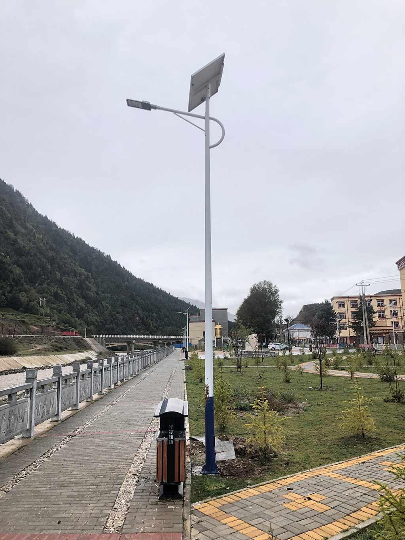 定西鄉村太陽能路燈價格,太陽能鋰電池路燈價錢