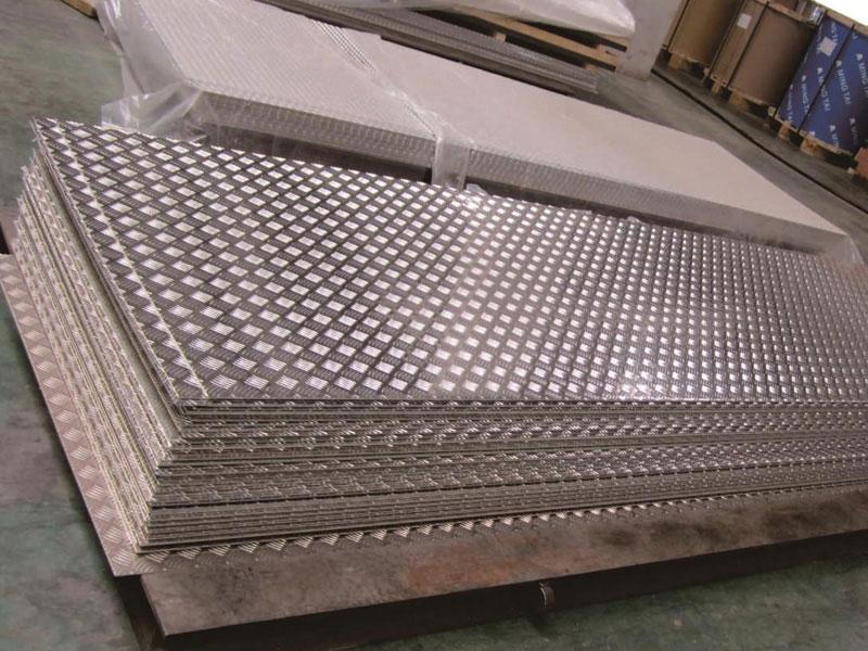 合肥不锈钢花纹板-花纹板批发厂家