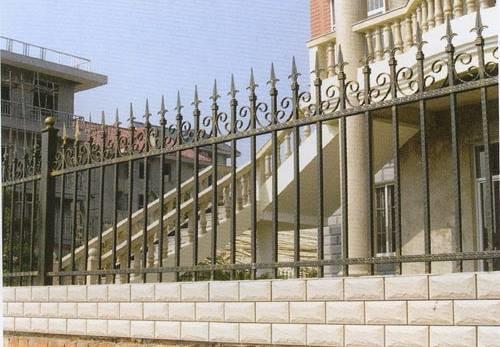 广州铁艺防护栏图片