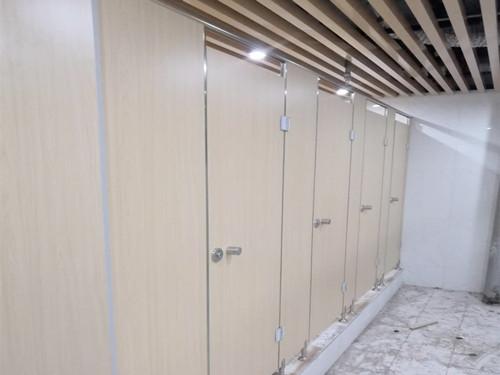 西安卫生间隔断-兰州厕所隔断厂家-平凉厕所隔断厂家