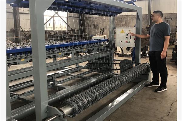 牧场围栏网设备 丝网设备 丝网机械养殖网设备